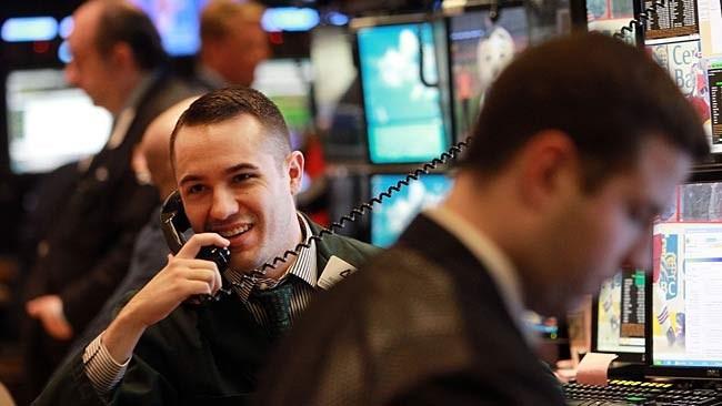 Nhận tin tốt từ Fed và BOJ, chứng khoán, vàng, dầu đua nhau khởi sắc