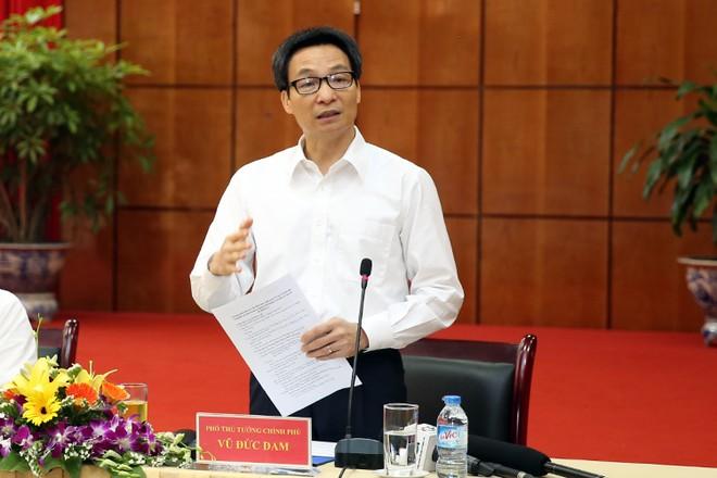 Phó Thủ tướng yêu cầu sửa ngay quy định chuyên ngành, giảm thời gian thông quan