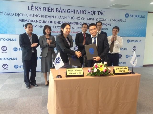 """StoxPlus và HOSE đồng tổ chức Hội nghị: """"TTCK Việt Nam hướng tới chuẩn thị trường mới nổi"""""""