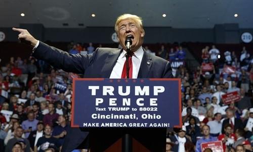 Donald Trump và chiêu nước rút kịch tính