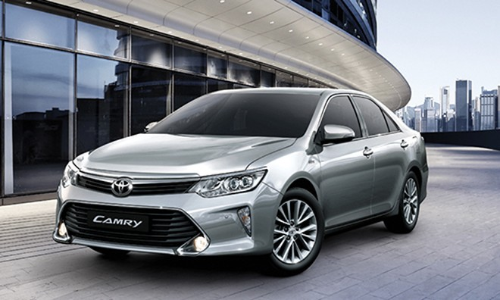 Toyota Camry mới giảm hơn 100 triệu tại Việt Nam