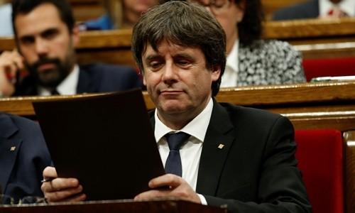 Tây Ban Nha sẽ tước quyền tự trị nếu Catalonia trả lời mập mờ