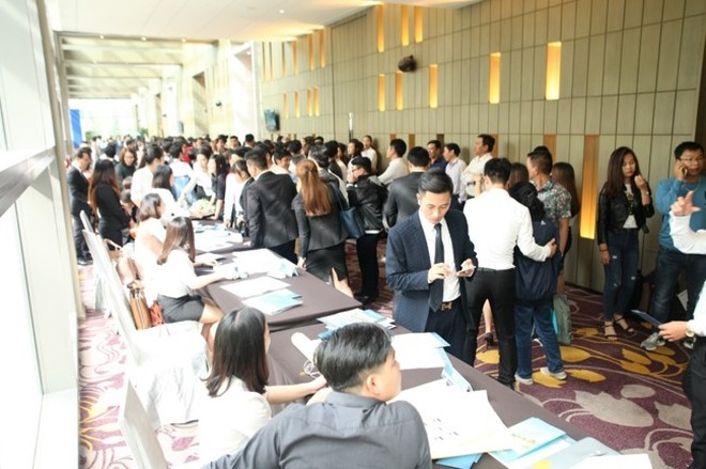 Hơn 800 khách hàng tham dự lễ mở bán dự án căn hộ cao cấp Scenia Bay Nha Trang