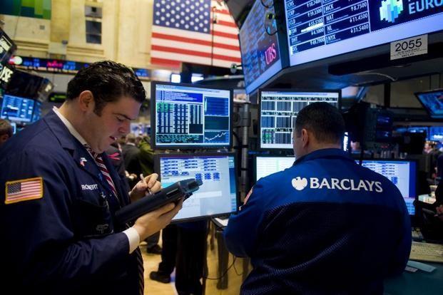 Nhà đầu tư thấp thỏm chờ cuộc họp của Fed