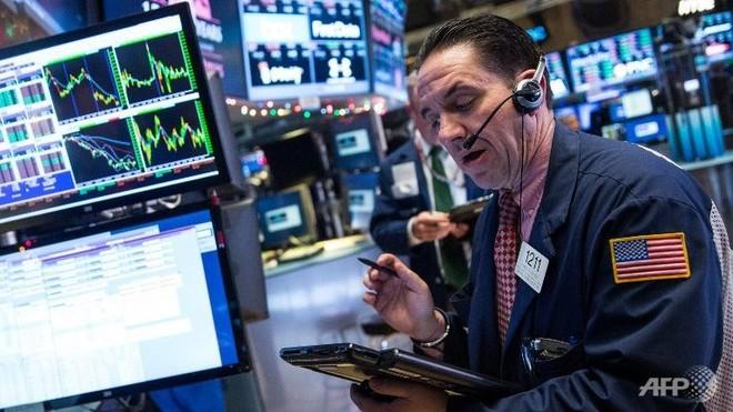 Giới đầu tư nín thở chờ Fed