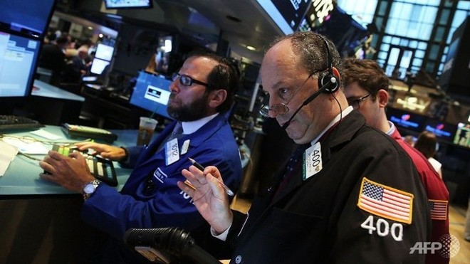 Dữ liệu kinh tế khả quan, giới đầu tư phố Wall lại lo sợ