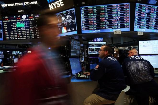 Cổ phiếu ngân hàng và thông tin từ Trung Quốc kéo chứng khoán giảm mạnh