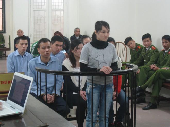 7 người Trung Quốc nhận và chuyển tiền trái phép lĩnh án
