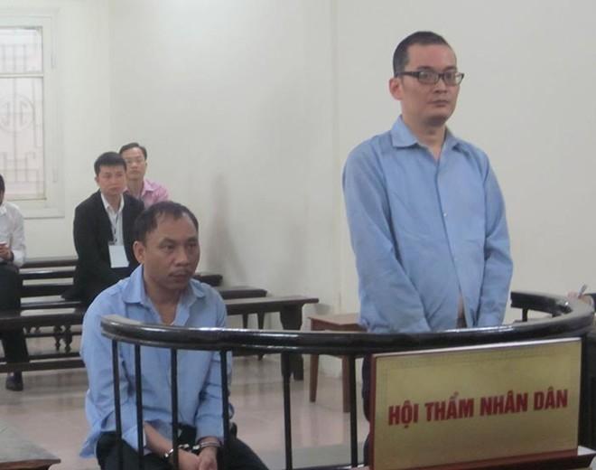 Thêm 2 đối tượng người Trung Quốc dùng thẻ giả rút tiền của ngân hàng Việt