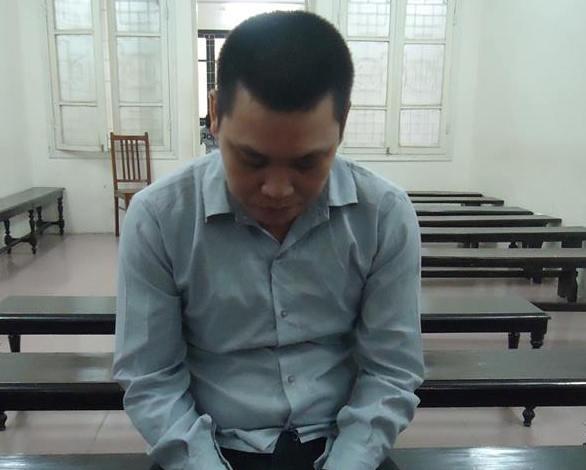 Lĩnh 9 tháng tù vì vận chuyển ngà voi và sừng tê giác từ Angola về Việt Nam