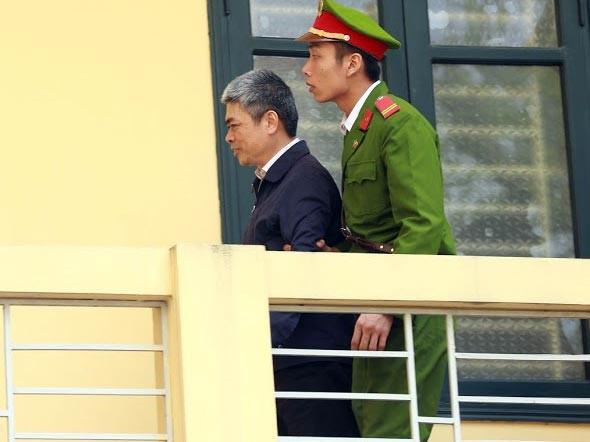 Nguyễn Xuân Sơn khai chỉ nhận 4,5 tỷ đồng từ Hà Văn Thắm