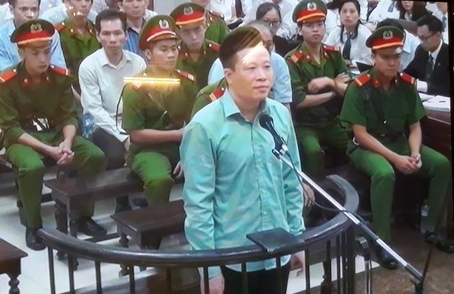 """Hà Văn Thắm: """"Bị cáo đổi 1.500 tỷ đồng lấy tội của mình được không?"""""""