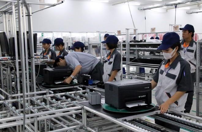 """Kinh tế Việt Nam trong mắt HSBC là """"hứa hẹn"""" dù còn 4 rủi ro"""