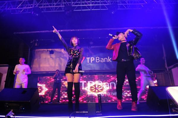"""""""Đêm trắng"""" cùng TPBank LiveBank"""