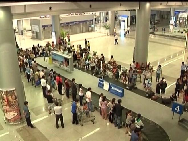 Khởi tố vụ buôn lậu rượu qua Sân bay Tân Sơn Nhất