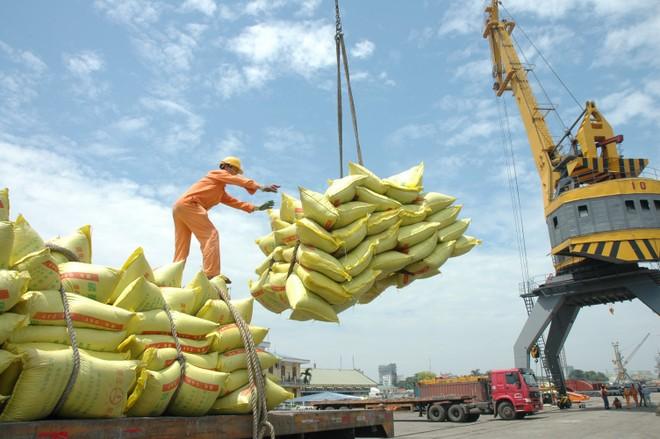 CIEM dự báo tăng trưởng cả năm 2015 đạt 6,61%