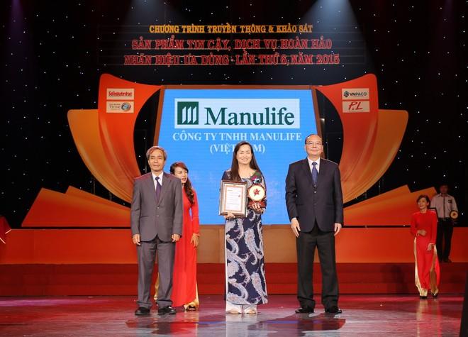 """Manulife - Gia đình tôi yêu đoạt Huy chương Vàng """"Sản phẩm tin cậy 2015"""""""