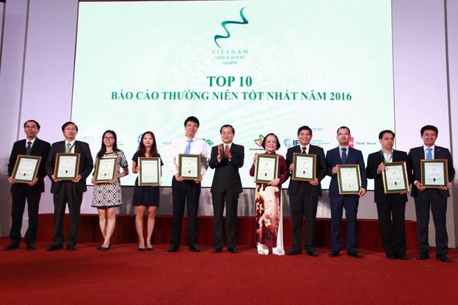 Trao giải cho 50 doanh nghiệp có BCTN tốt nhất năm 2016