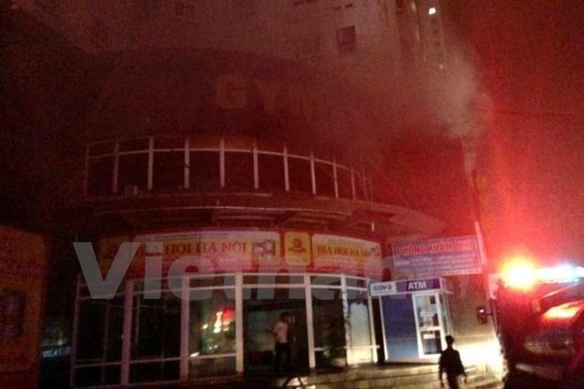 Hà Nội: Cháy chung cư Vimeco giữa đêm, hàng trăm người tháo chạy