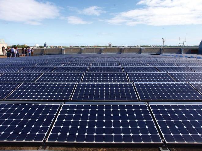 """Hàng tỷ USD """"chập chờn"""" nhắm các dự án điện mặt trời"""