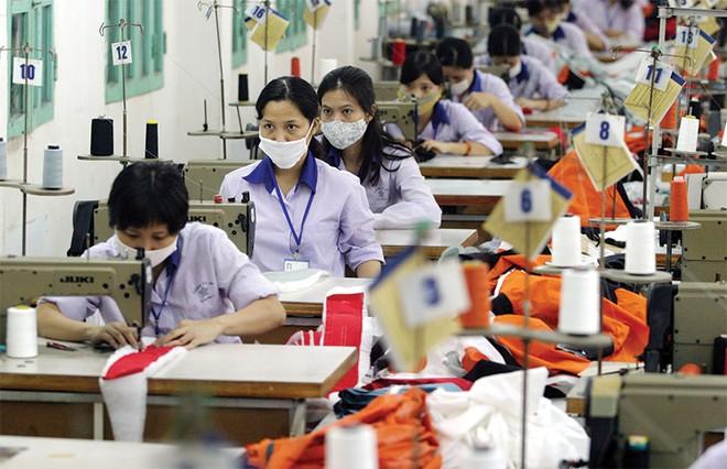 VKFTA có hiệu lực, xuất khẩu hàng dệt may chưa dễ tăng tốc