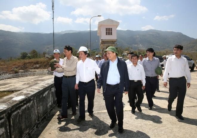 Phó Thủ tướng Nguyễn Xuân Phúc chỉ đạo chống hạn, xâm nhập mặn vùng ĐBSCL