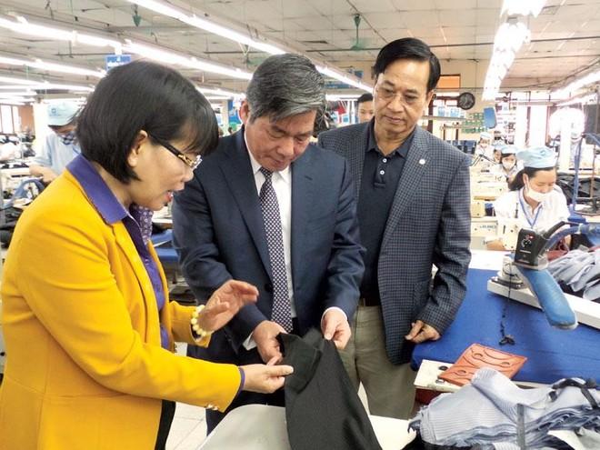 Bộ trưởng Bùi Quang Vinh truyền lửa hội nhập tới doanh nhân