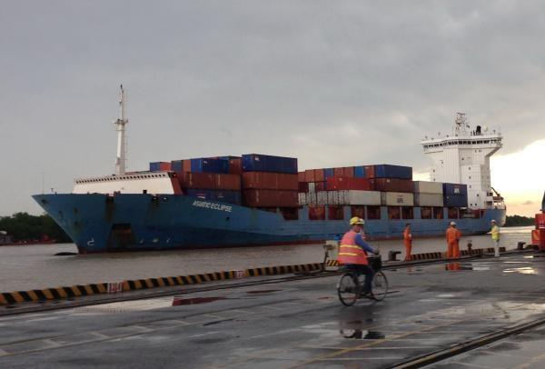 Sắp có quy định về phụ phí dịch vụ vận tải biển