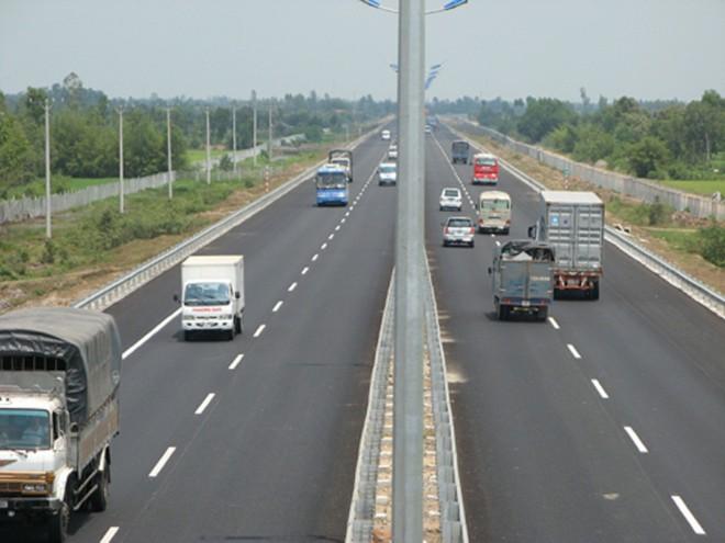 Cao tốc Hà Nội - Hải Phòng giảm 35% phí cho xe tải trên 18 tấn, xe container 40f