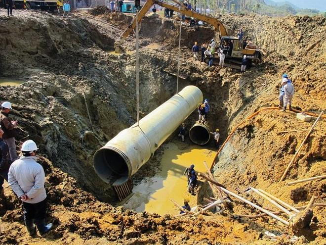 """Nhà thầu Trung Quốc cấp ống cho Dự án Cấp nước sông Đà số 2: Lại lo """"đội giá"""", giãn tiến độ"""