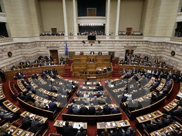 Hy Lạp thông qua gói cải cách mới để đổi lấy tiền cứu trợ