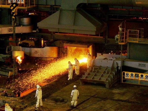 """Trung Quốc phản ứng cáo buộc bán thép """"rẻ như cho"""" từ EU"""