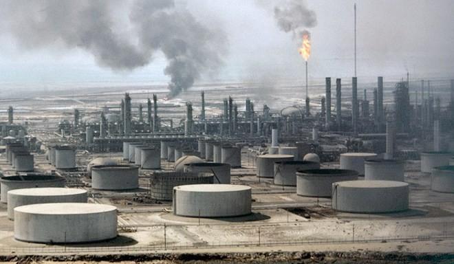Moody's hạ bậc tín nhiệm các nước dầu mỏ Vùng Vịnh