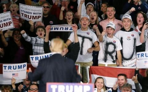 """Cử tri Mỹ """"cuồng"""" Donald Trump với những """"tuyên bố gây sốc"""""""
