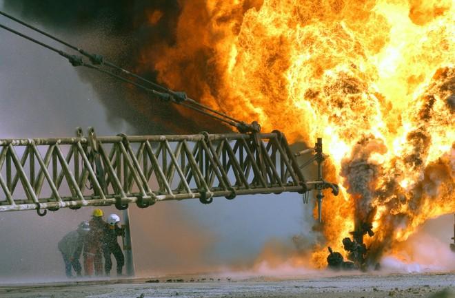 """Các nhà sản xuất dầu mỏ Trung Đông đang """"chết cháy"""""""