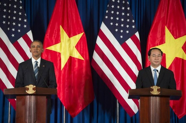 Mỹ chính thức dỡ bỏ lệnh cấm bán vũ khí sát thương cho Việt Nam