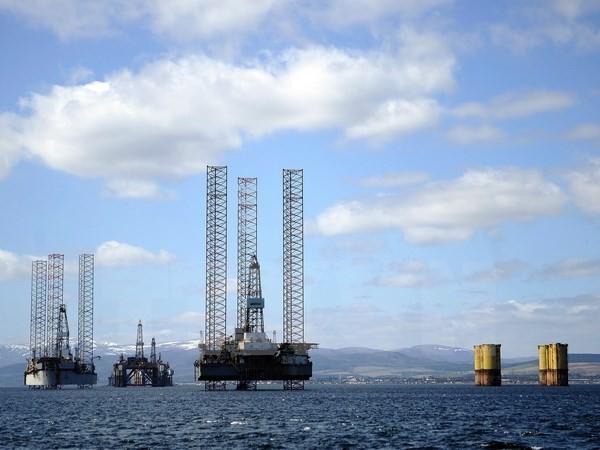Giá dầu không thể tăng trở lại mức 100 USD mỗi thùng