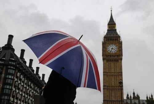 Rời EU sẽ khiến Anh ngập trong nợ