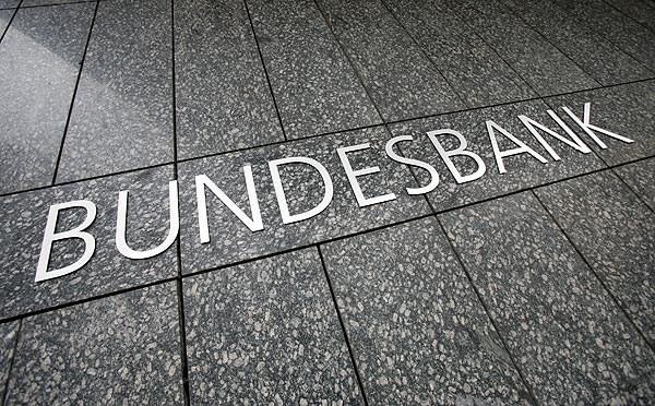 Đức lần đầu phát hành trái phiếu với mức lãi suất âm