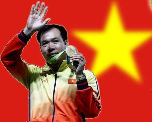 Hoàng Xuân Vinh thành chủ đề nóng trên mạng sau 2 HC Olympic