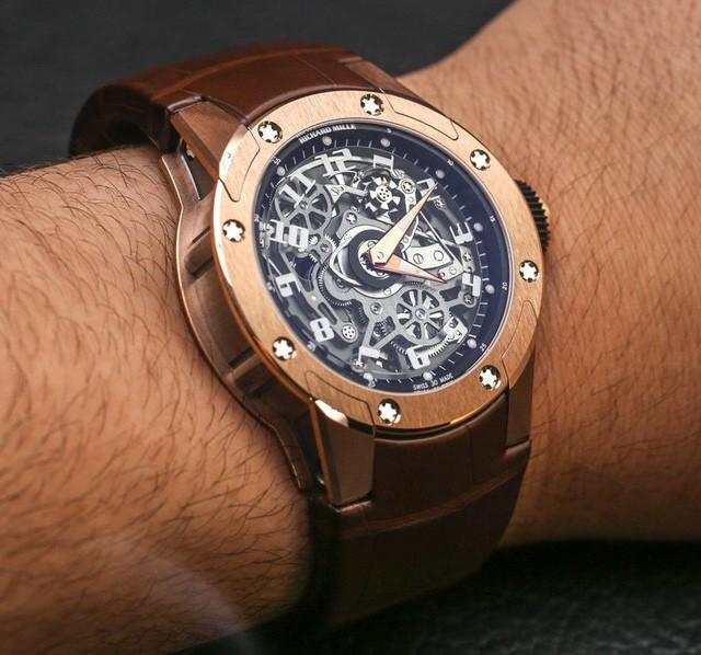 "Đồng hồ ""treo thời gian"" độc đáo: Richard Mille RM63-01 Dizzy Hands"