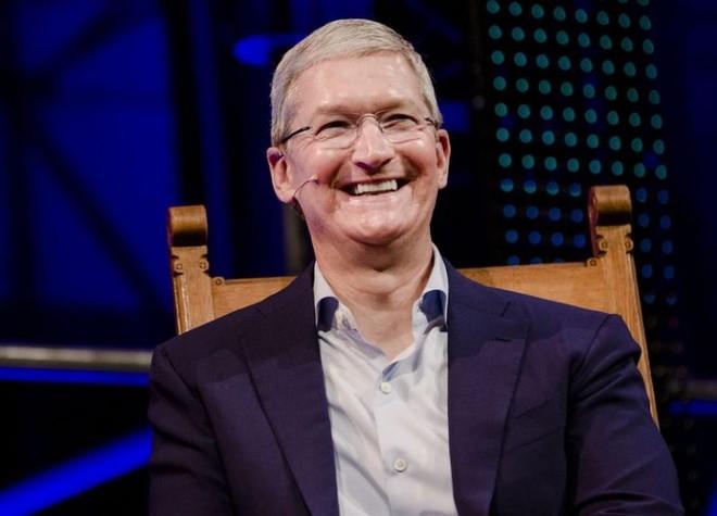 Ngồi ghế CEO Apple 5 năm, Tim Cook kiếm được 373 triệu USD