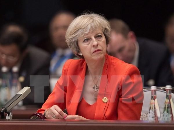 """Thủ tướng May trước thách thức lèo lái """"tàu Anh"""" vượt ải Brexit"""