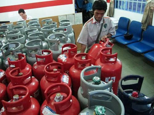 Tranh cãi quanh việc hạ chuẩn điều kiện kinh doanh gas