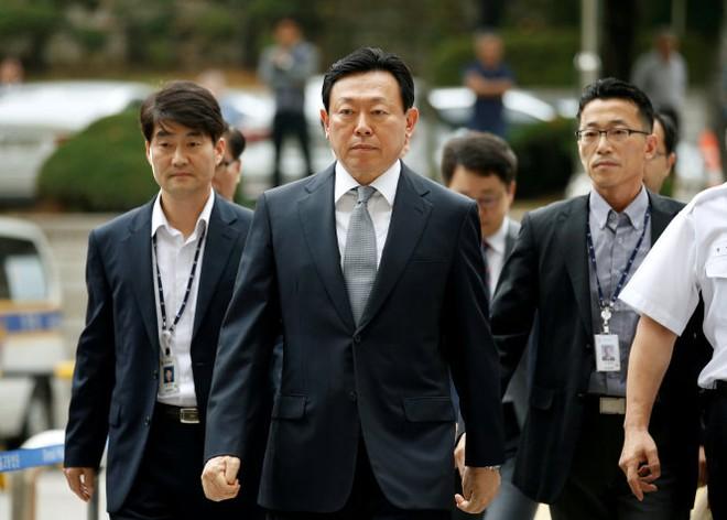 Tòa án Hàn Quốc bắt đầu xét xử Chủ tịch tập đoàn Lotte