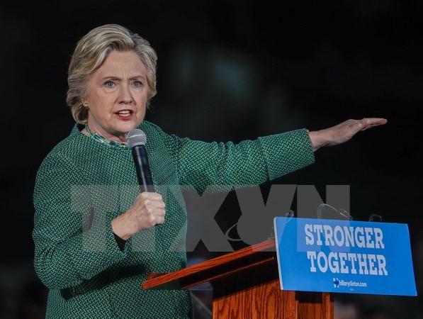 Bầu cử Mỹ: Bà Clinton tiếp tục nới rộng khoảng cách với ông Trump