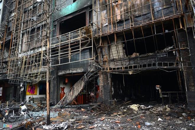 Hà Nội xem xét trách nhiệm tập thể, cá nhân sau vụ cháy quán karaoke