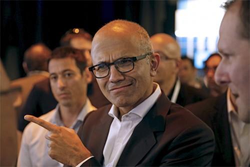 CEO Microsoft chế giễu iPad Pro của Apple