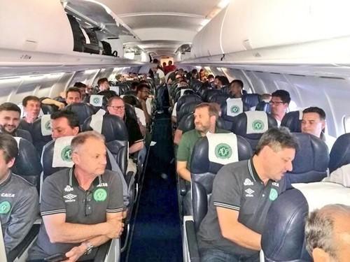 Phi cơ chở câu lạc bộ bóng đá Brazil rơi ở Colombia