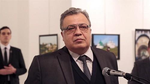 Nhân chứng kể lại khoảnh khắc đại sứ Nga bị bắn từ sau lưng